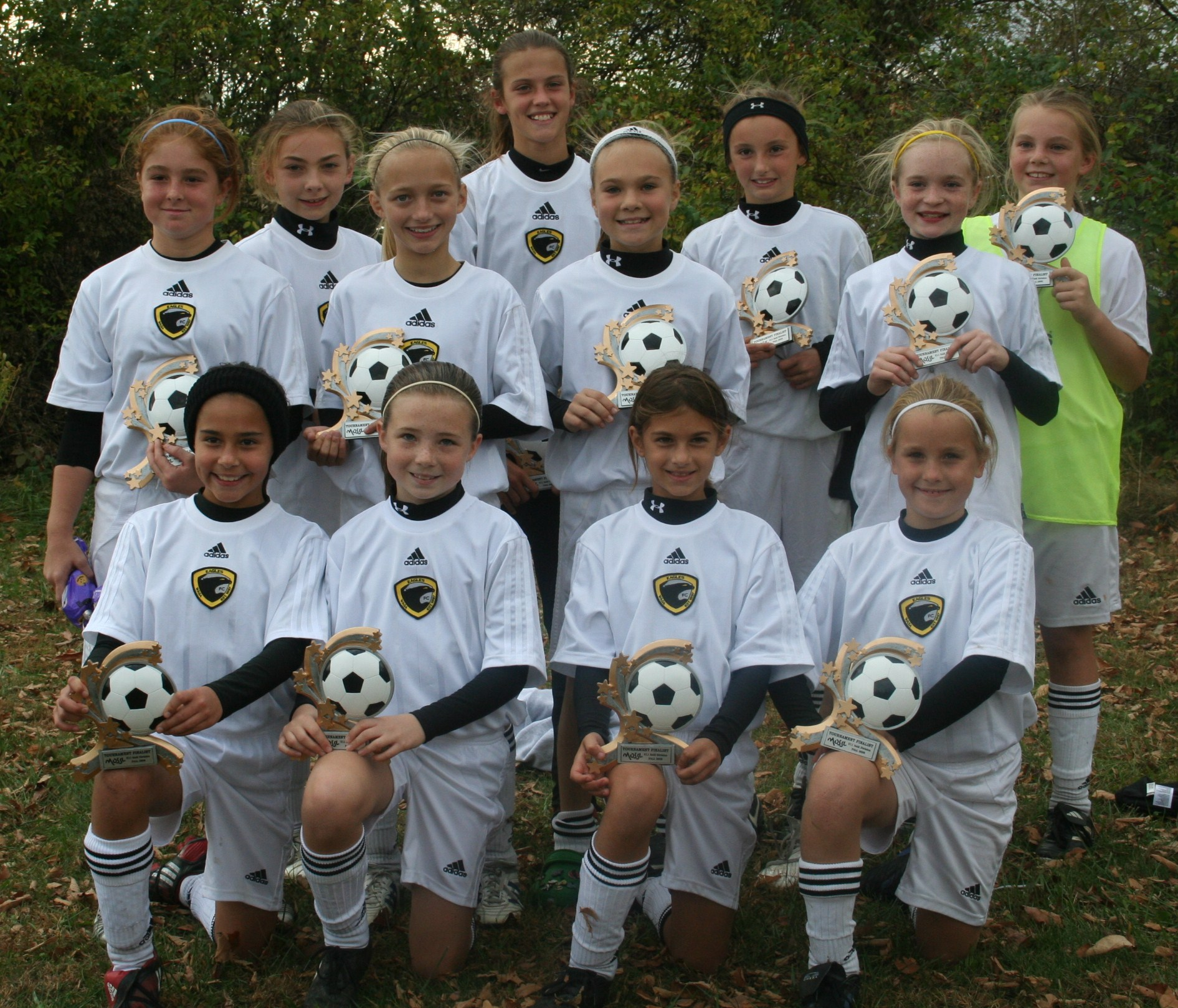 u11_girls_wings_fall08.jpg